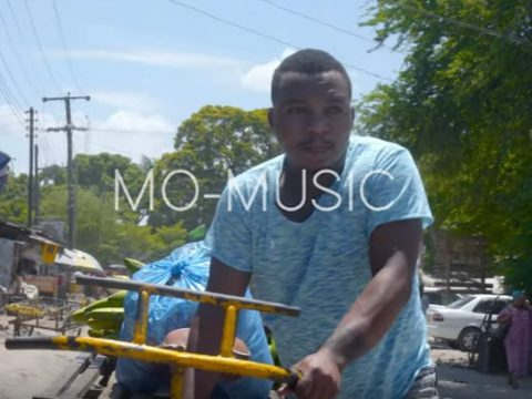 (OFFICIAL VIDEO) Mo Music ft One Six – AM IN TO YOU mp4 Download